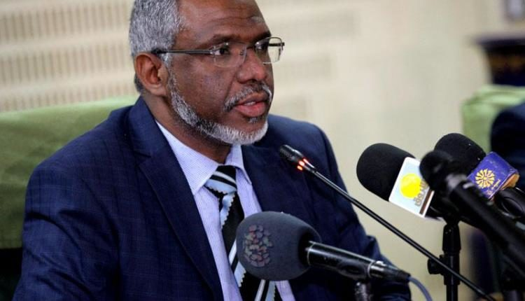 """الحكومة السودانية تستغني عن """"3"""" مسؤولين كبار في يوم واحد"""